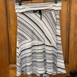 Athleta seaside fold over skirt size medium